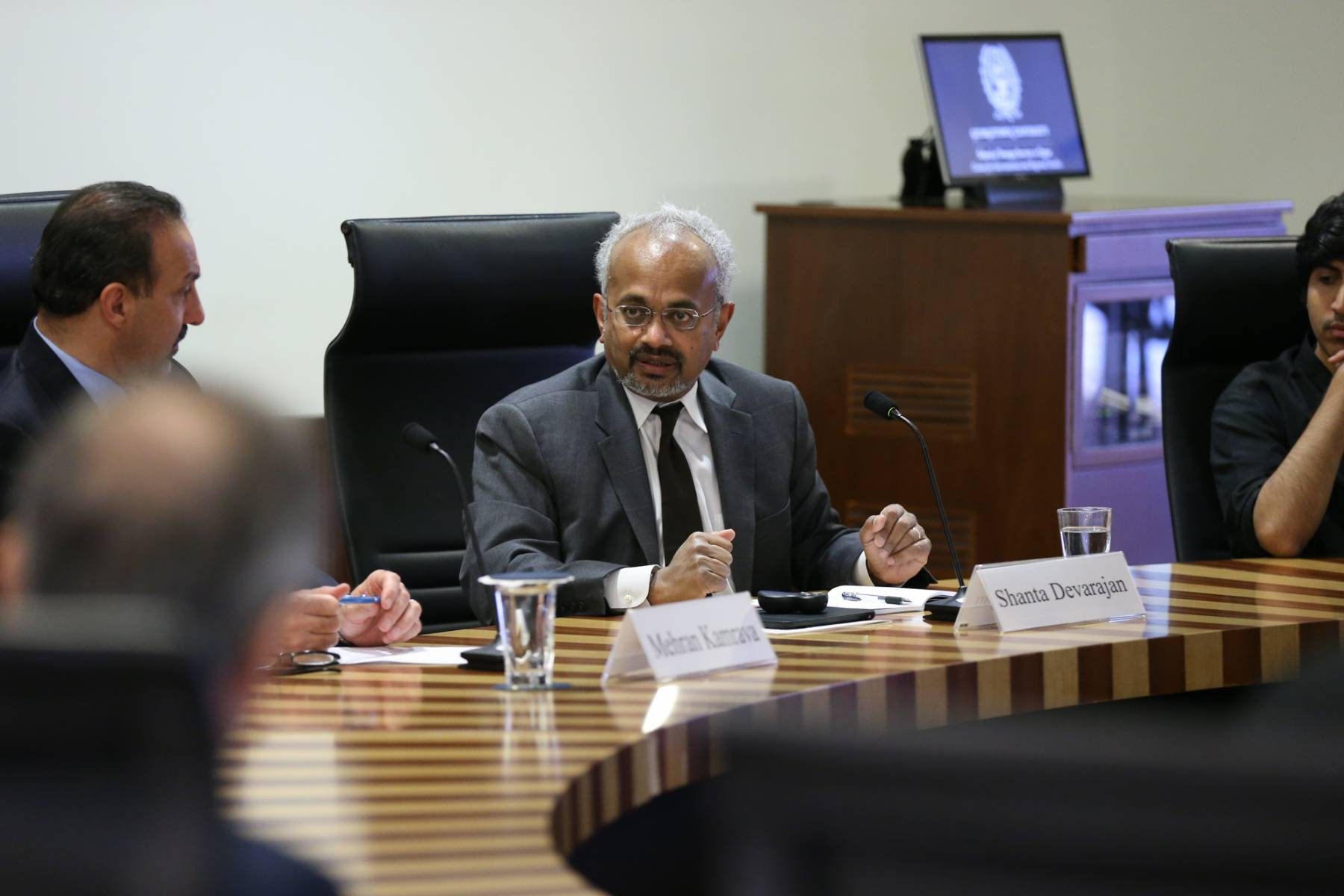 """Shantayanan Devarajan on """"How the Arab World Can Benefit from Low Oil Prices"""""""