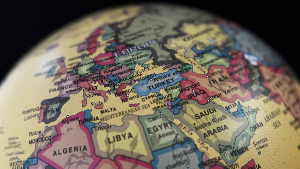 Middle Power Politics in the Middle East